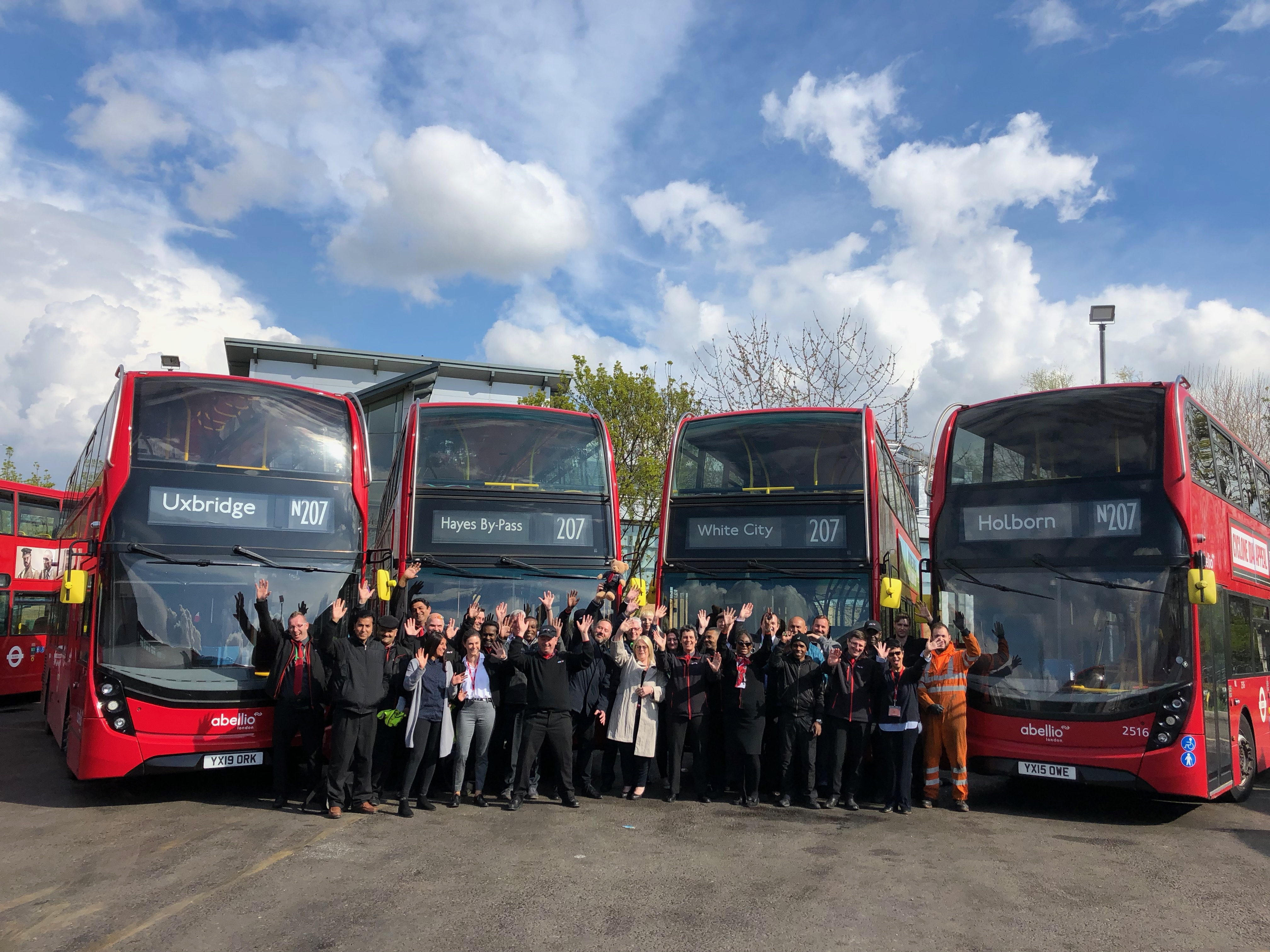 Abellio commence operation of routes 207 & N207